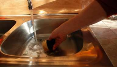تمیز کردن و جرم گیری سینک ظرفشویی