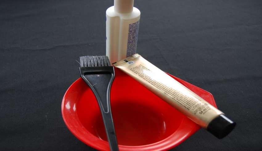 از بین بردن رنگ زرچوبه از روی پوست 11 روش پاک کردن رنگ مو ( با عکس ) – چگونه