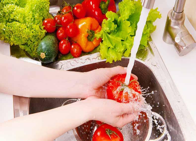 شستن سبزی جات با مایع ظرفشویی