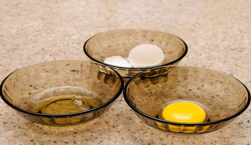 جدا کردن زرده از سفیده تخم مرغ