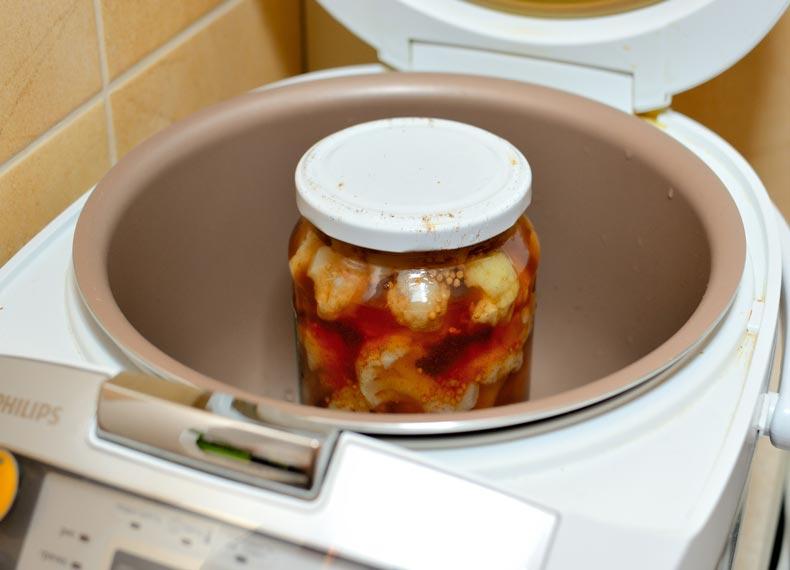 ترشی گل کلم با آب گوجه