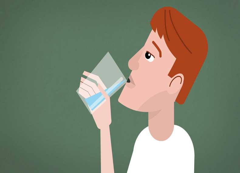 نوشیدن آب در درمان سینوزیت