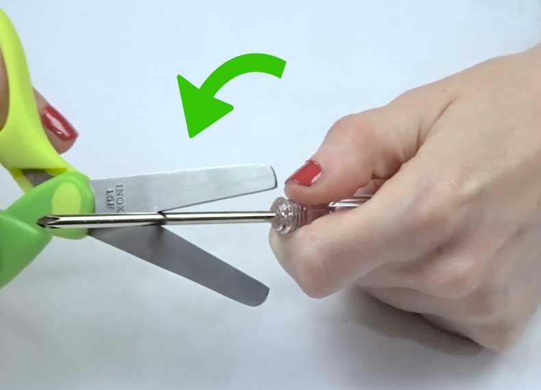 روش های تیز کردن قیچی