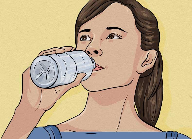 نوشیدن آب و خط اخم