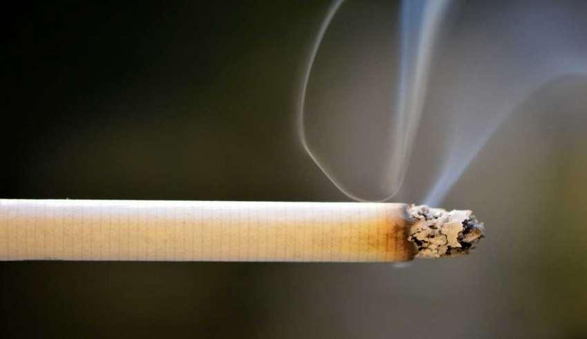 چگونه سیگار حرفه ای سیگار بکشیم