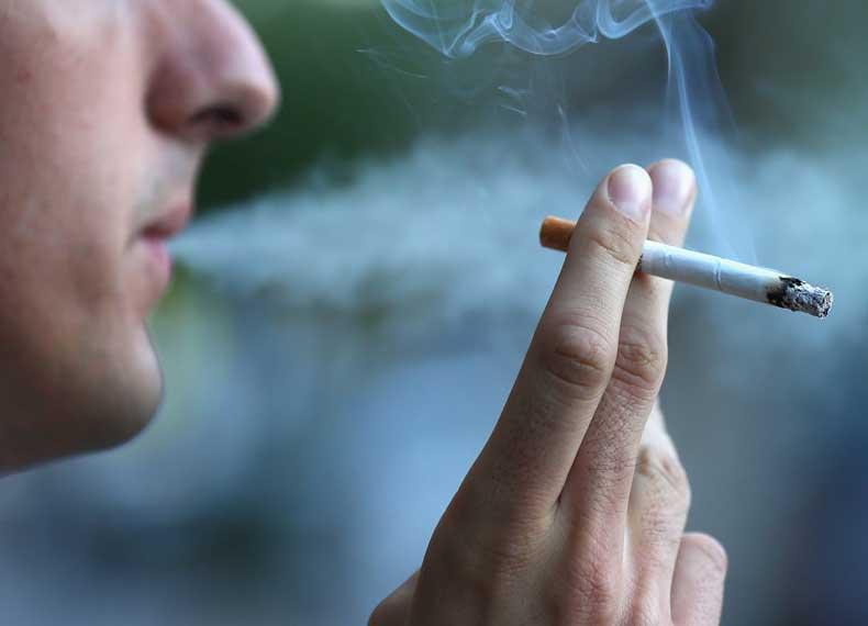 سیگار کشیدن برای اولین بار