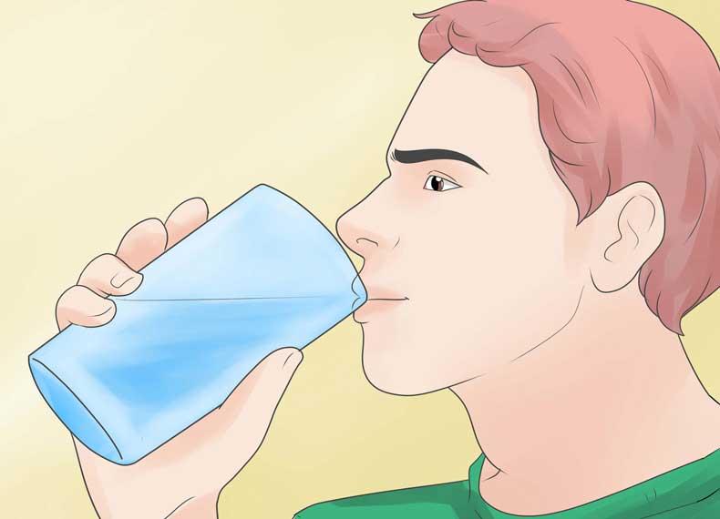 نوشیدن آب و درمان آفتاب سوختگی