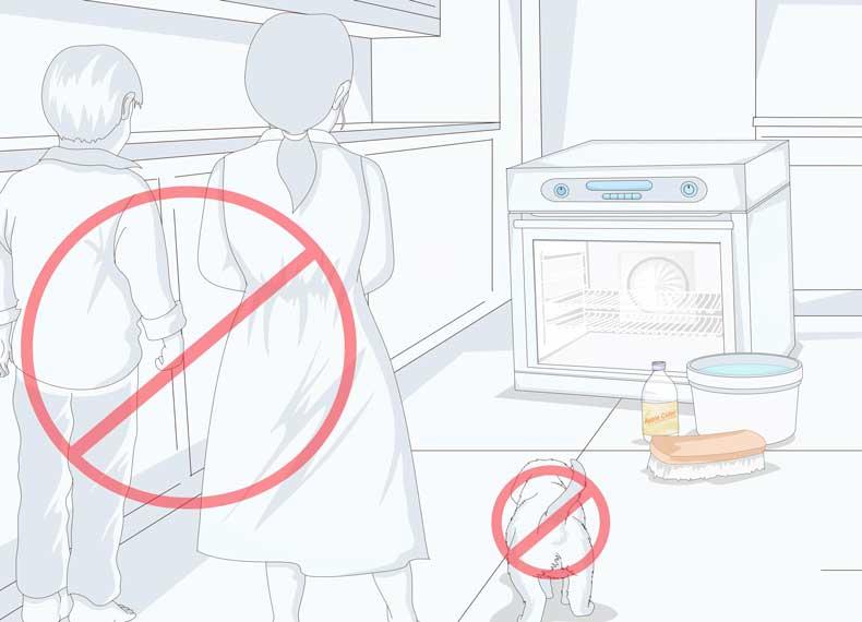 خطرات تمیز کردن فر