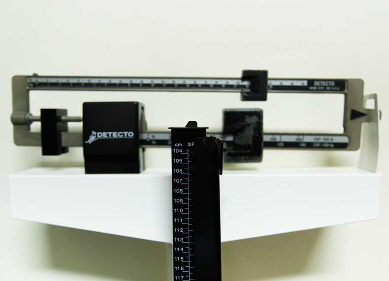 دستگاه اندازه گیری قد