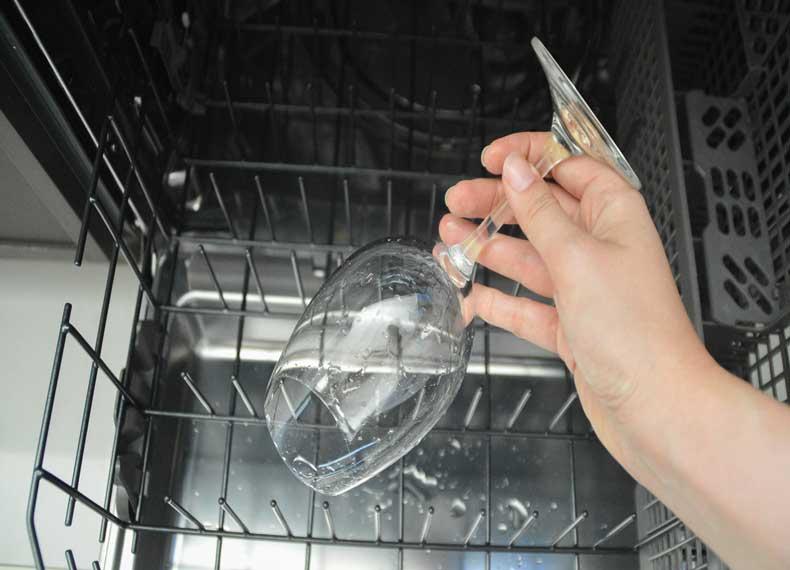 تمیز کردن با ماشین ظرفشویی