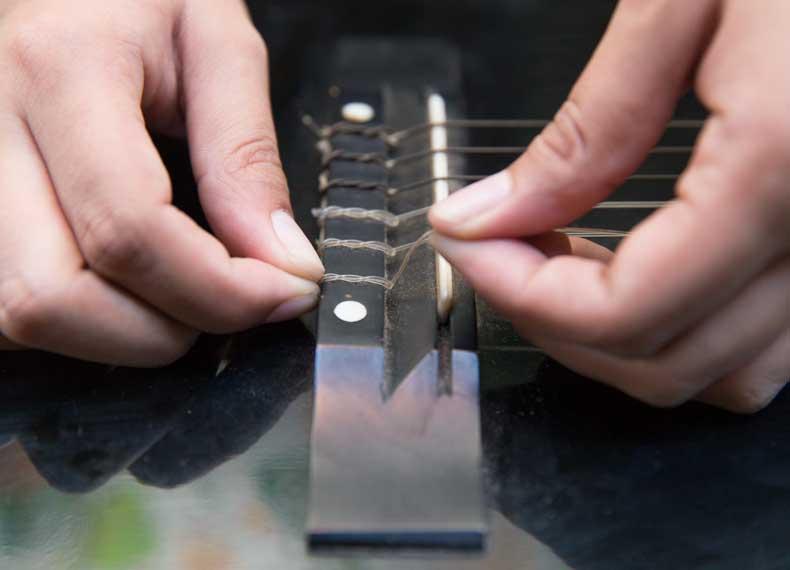 تمیز کردن اصولی گیتار