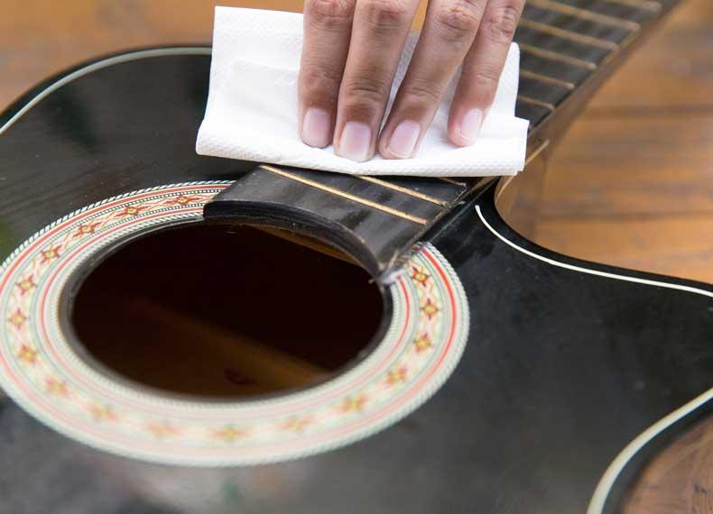 برق انداختن گیتار