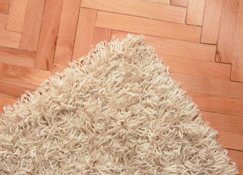 جلوگیری از لک شدن فرش