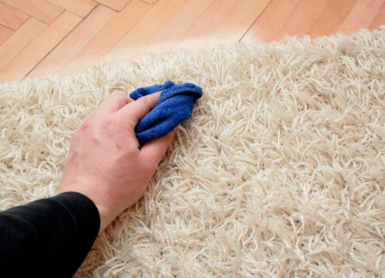 پاک کردن لک مسج فرش