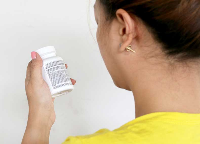 کمبود ویتامین و خشکی لب